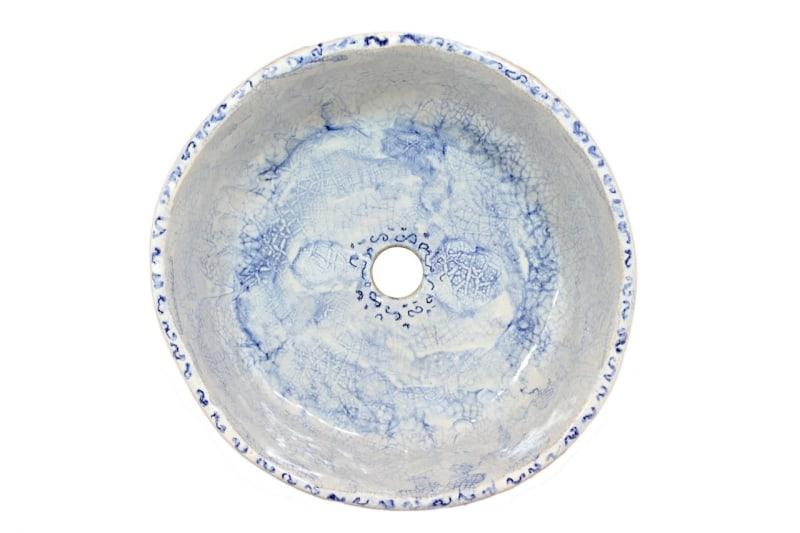 Rustykalna umywalka spękania