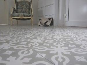 Cementowe kafle podłogowe z Polski-300x225
